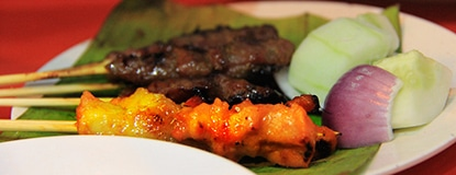 Chasing Places (Feature)-Tasty satays at Jalan Alor