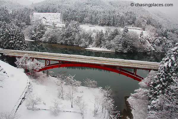 Be prepared for beautiful scenery as you head from takayama to kanazawa