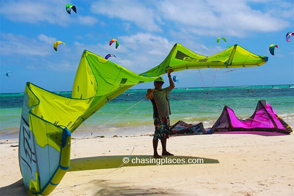 Chasing Places Travel Guide Photos: Top Things to Do on Boracay Island